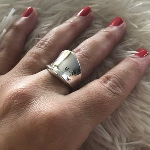 Jewelry - NEW Silver Plated Fashion Smooth Finish Ring Sz 8